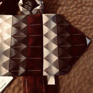 Necktie in rich greys, burgundy Nwt